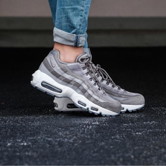 Nike – Wmns Air Max 95 Lx Womens Shoes GunsmokeGunsmoke Atmosphere Grey